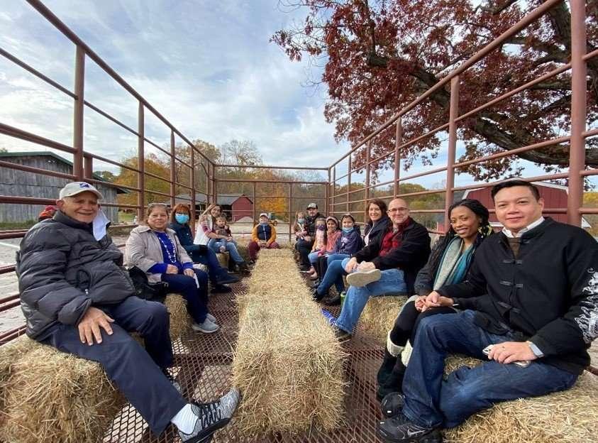 Saisystems International Team on Hay Ride